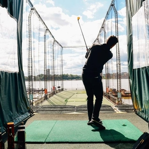 Justin Rose Heads to the Golf Club at Chelsea Piers